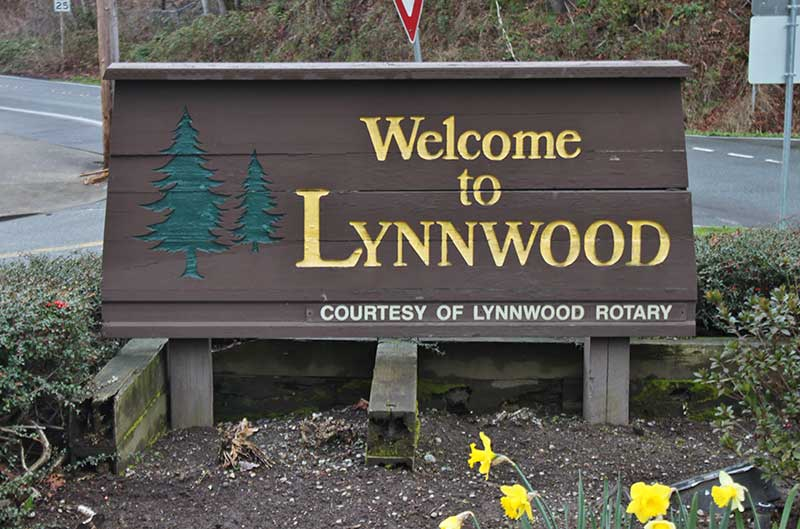 Road-sign - Welcome to Lynwood